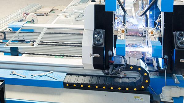 万豫暖通镀锌钢板焊接风管厂家直销,品质有保障