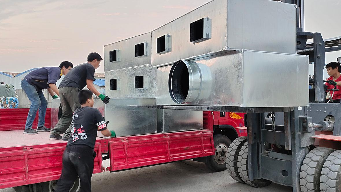 万豫暖通与益丰药业彩钢复合风管制作安装案例